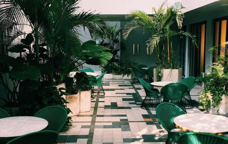 Czym są hotele klubowe i jakie atrakcje zapewniają swym gościom?
